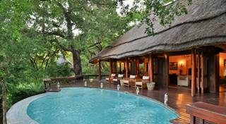 Imbali Safari Lodge - Deck 1.jpg