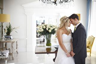 couple in entrance hall.jpg (2)