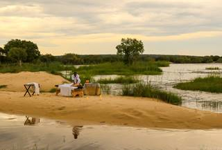 Pop up Spa with  on the banks fo the Zambesi River during your stay with us at Zambezi Sands.jpg