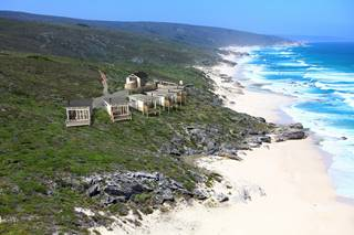 1De Hoop - Lodge exterior & surroundings.jpg